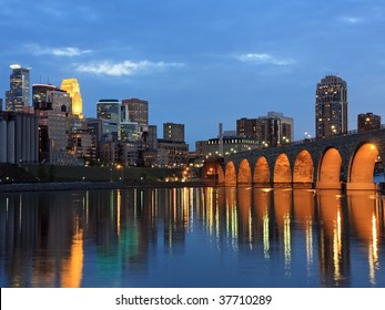 Stone Arch bridge and Mississippi river in downtown Minneapolis