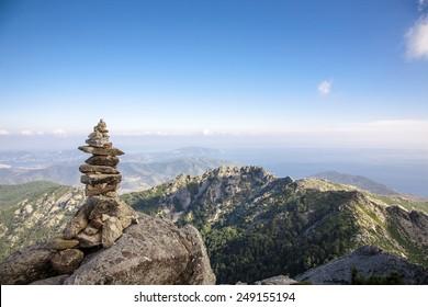 stone balancing on the mountain top