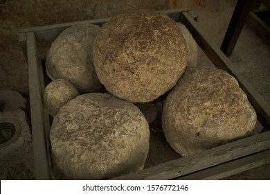 stone boulders for a medieval catapult