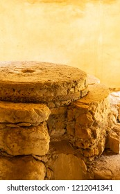 stone millstones traditional way extracting flour grinding millet hand mill vertical design