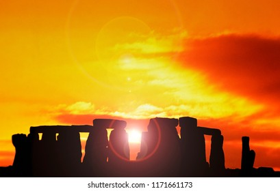 Stonehenge  at dawn. Wiltshire, UK