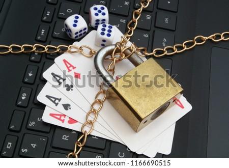 stop-online-gambling-concept-padlock-450