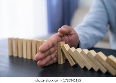 Das Domino-Effekt-Konzept für Geschäftslösung, Strategie und erfolgreiche Intervention stoppen