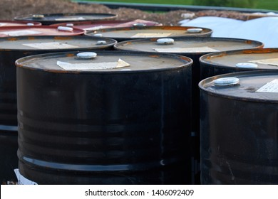 storage of barrels with a volume of 200 liters in the open air