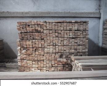 Storage hardwood sawn.