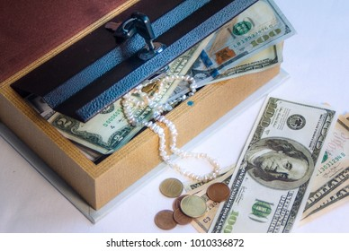 storage of valuables and cash