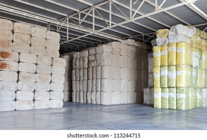 store cotton bales