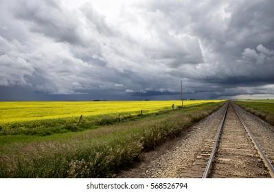 Storm Clouds Saskatchewan shelf cloud ominous warning