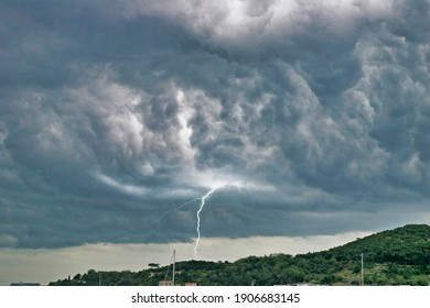 storm with ligthing in la spezia gulf