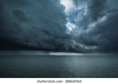 storm on the sea