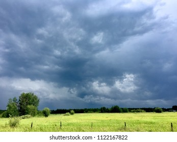 Storm Rolling Through the Fields  - The Thunder Rolls
