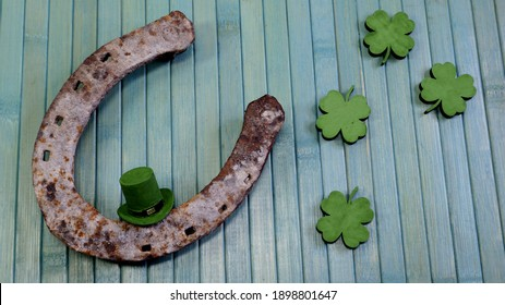 St.Patrick 's Day. clover and horseshoe