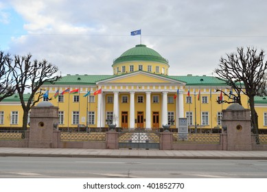 ST.PETERSBURG, RUSSIA - APRIL 2, 2016: Tauride Palace - Petersburg residence of Prince Grigory Potemkin-Tauride. Built in the classical style in the period from 1783 to 1789 by architect I. Starov.