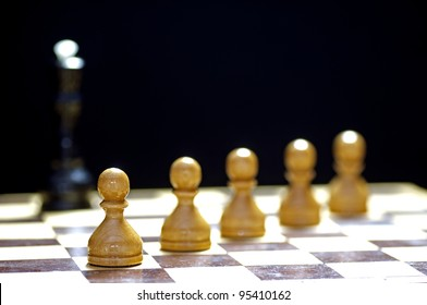 Strategic formation in the chess game