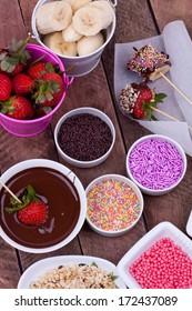 strawberry and banana with chocolate fondue