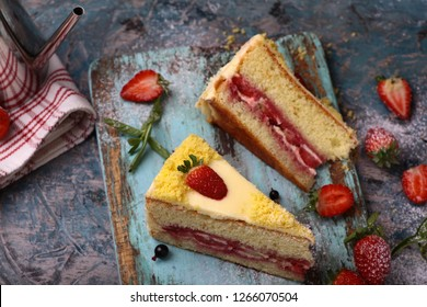 Strawberry cake in the middle of the cake big strawberry