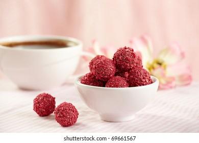 strawberry chocolate truffles