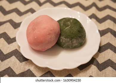 Strawberry Daifuku and Yomogi Daifuku