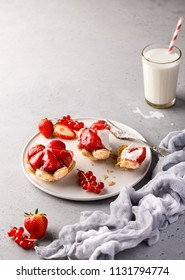 Strawberry dessert tartlets