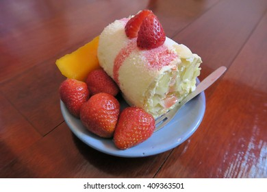 strawberry mango cake roll