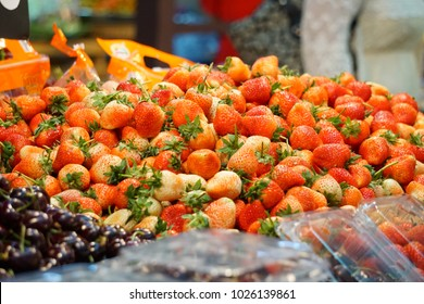 strawberry are prepares for sale in the market