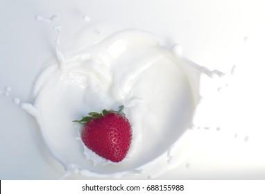 strawberry splash milkshake cream yogurt milk dairy product