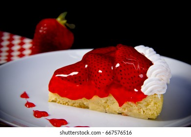 Strawberry tart portion