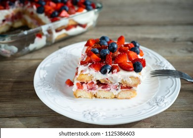 Strawberry tiramisu with mascarpone and blueberry