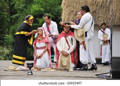 STRAZNICE - JUNE 24: Wedding ceremony of Mexico. Cacatl, Escuela superior de danza foklorica Mexicana, Pue, Mexico, June 24, 2010 in Straznice, Czech Republic