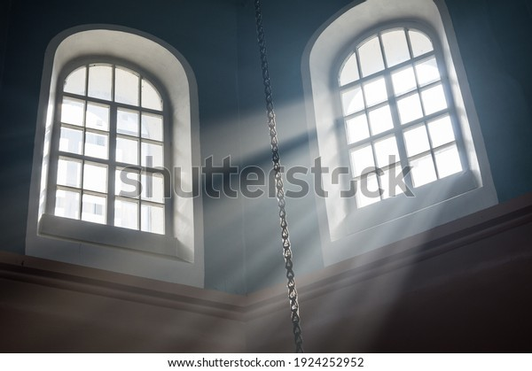 stream-bright-light-falls-window-600w-19