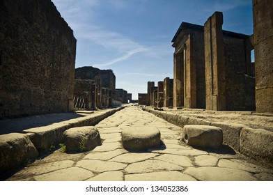 A street in the famous antique site of Pompeii (Italy)