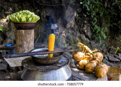 Street food at Ravana Falls, Sri lanka