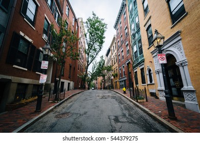 Street and historic buildings in Beacon Hill, Boston, Massachusetts.