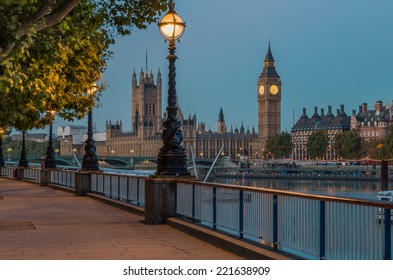 Street Lamp on South Bank of River Thames with Big Ben and Palace of Westminster in Background, London, England, UK
