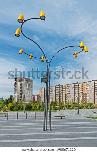 street-led-lamp-courtyard-multistorey-60