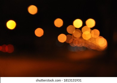 street light bokeh at night in the city