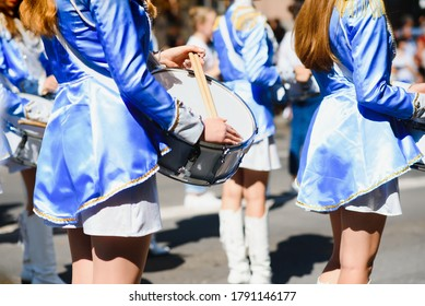 Street promotion of the majorettes of the festival spring.