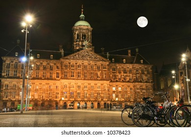 The street scene in Amsterdam at night