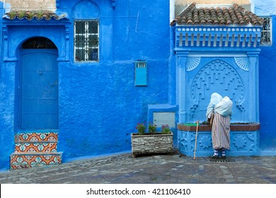 Street scene in the blue medina of Chefchaouen, Morocco.