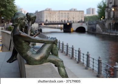Street sculptures in Berlin, Germany