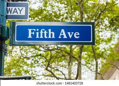 Street sign of Fifth Avenue (5th Ave) in Manhattan, New York City. USA.