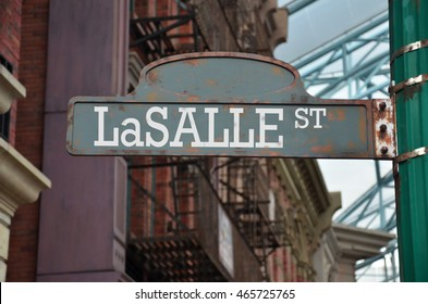Street sign on the corner of LaSalle Street, Chicago