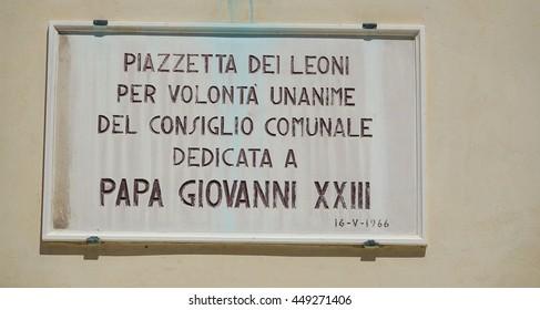 Street sign Piazzetta dei Leoni in the historic center of Venice - VENICE, ITALY - JUNE 28, 2016