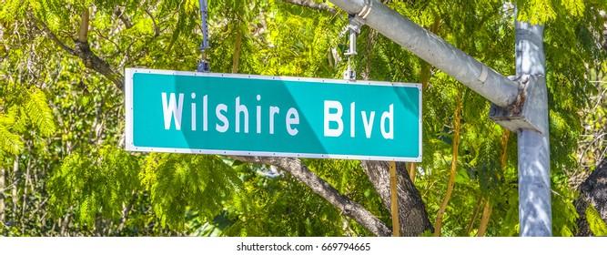 Street sign Wilshire Blvd - LOS ANGELES / CALIFORNIA - APRIL 20, 2017