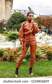 Street Style, Spring Summer 2020, Paris Fashion Week, France, 25, 09, 2019 Guest, Maison Margiela