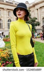 Street Style, Spring Summer 2020, Paris Fashion Week, France, 25, 09, 2019 Mary Leest, Maison Margiela