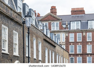A street of upmarket London townhouses