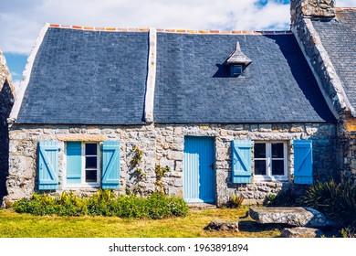 Street view of beautiful village of Rostudel former fishing village, Parc naturel regional d'Armorique. Finistere department, Camaret-sur-Mer. Brittany (Bretagne), France.