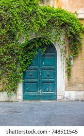 Street view of the door in Rome.