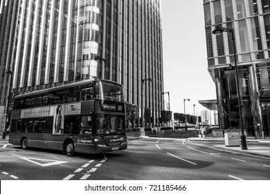 Street view at modern Canary Wharf business district in London - LONDON / ENGLAND - SEPTEMBER 19, 2016